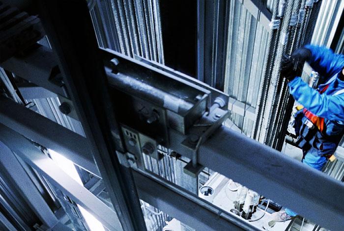 Essais CEM pour ascenseurs et escaliers mécaniques