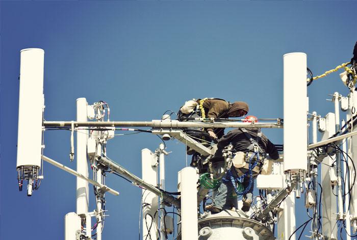 Normen für Komponenten und Zubehör für Telekommunikationsgeräte